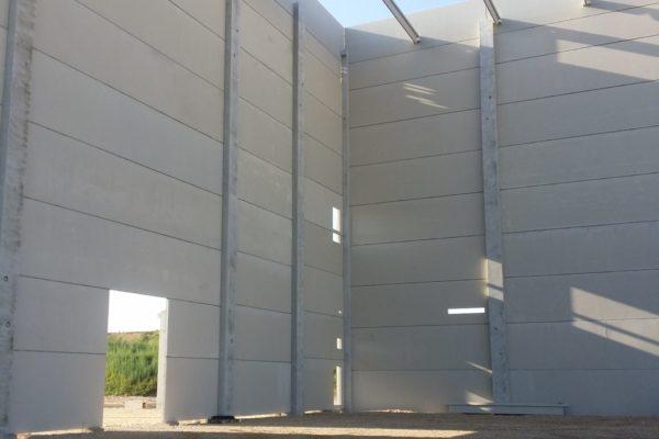 Réalisation Eurobeton batiment béton panneaux gris lisse socara